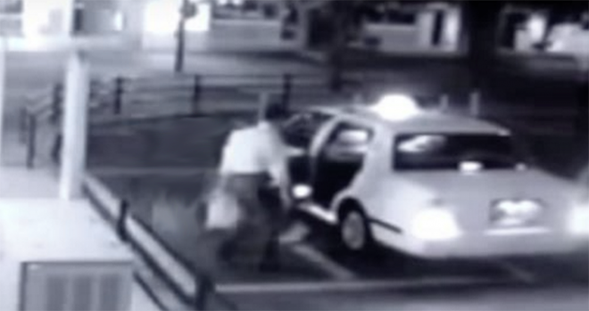 Videóra vettek egy szellem nőt, aki beszállt a taxiba egy férfi után!