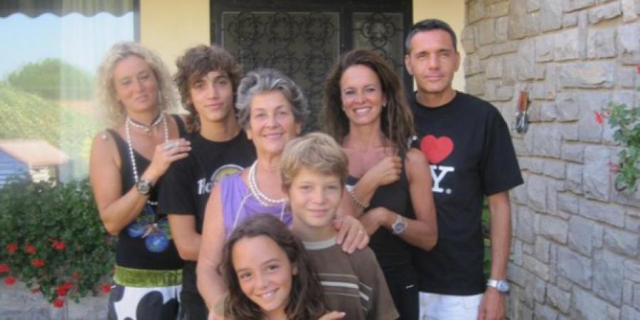 Valami nem kerek ezzel a családdal. Meg tudod mondani, mi?
